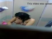คลิปแอบถ่าย สาวข้างห้องอาบน้ำ โดนเต็มๆนมใหญ่อวบอิ่ม หุ่นดีจริงๆแม่งอาบไม่สนใจโลกเลยว่าโดนแอบถ่าย