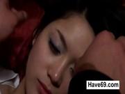 หนังโป๊เกาหลี Porn จับเมียเพื่อนสุดสวยมาเย็ด แม่งควงมาเย้ยบ่อยเลยต้องจับเย็ด ข่มขืน บนโซฟาเลยครับ