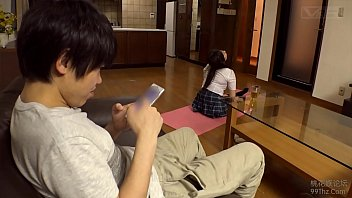 โป๊นักเรียนเอวีญี่ปุ่น โดนน้องชายแอบเสยหีตอนพ่อแม่ไม่อยู่ ใส่ชุดนักเรียนxxxร่านจริงๆ ต้องโดนเย็ดสักทีแรงๆ