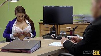 หนังโป๊ฝรั่ง4K มาใหม่ชุดโคตรๆจากเว็บ fwiptv ฉบับ XXX เรื่องของสาวสมัครงานอยากได้งานเลยต้องแก้ผ้า