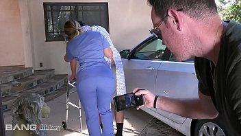 โดนพยาบาลหลอกเย็ดเฉยเลย แม่งมาจับควยro89แล้วดูดควยเฉย รอไรหละเย็ดตรงเตียงคนไข้ไปเลย