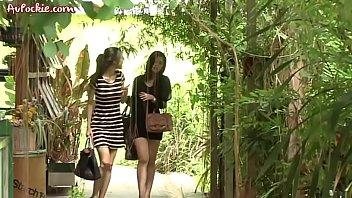 หนัง18+ อีโรติกไทย แนวรักใคร่ สุดท้ายก็เย็ดกันแต่โดยดี นางเอกหัวนมตั้ง จนพระเอกจำใจดูดจ้วบๆ