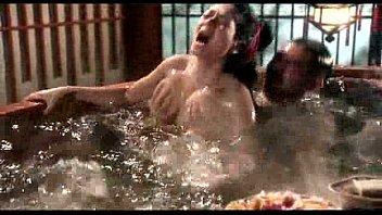 หนังโป๊จีนโบราณ ขุดมาจากหนังผิดกฏหมายใต้ดิน ทำออกมาได้ดีเลย เย็ดในอ่างน้ำ ร้องดังเหมือนโดนน้ำร้อนสาด