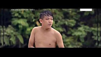 หนังโป๊เวียดนามออนไลน์ นางเอกโดนแก๊งหนุ่มโฉดสุดทรามไล่ตามข่มขืน xxx พอโดนจับได้ก็จับเสียบหีรุมเย็ดไม่ยั้ง เย็ดแรงจนหีแดง